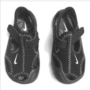 Nike baby black waterproof sandals